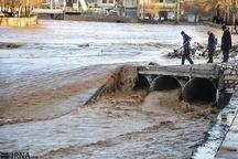 ساکنان حاشیه رودخانه شادچای بهارستان مراقب باشند