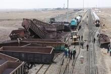 قطار باری مسیر طبس – بندرعباس از ریل خارج شد