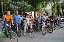 دوچرخه سواران یزدی به یاد شهیدان رجایی و باهنر رکاب زدند