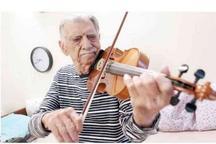 ناصر زرآبادی ، کوک کننده موسیقی ایرانی با آب و لیوان