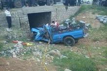نیسان آبی با بار خیار واژگون شد  راننده در این حادثه جان باخت