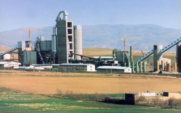 توسعه حمل و نقل راه خروج از رکود شرکت سیمان کردستان است