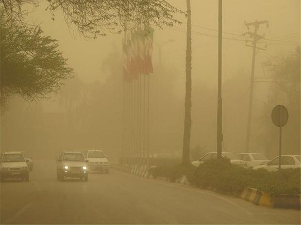 گرد و غبار دید افقی را در خراسان جنوبی کاهش داد