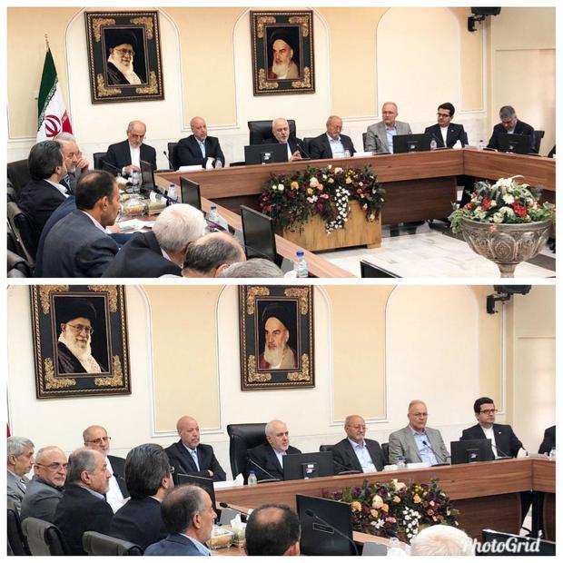سخنرانی ظریف در جمع مدیران استان اصفهان