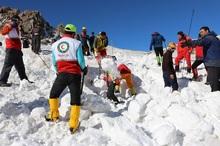 یادبود جانباختگان حادثه اشتراکوه در محل قله کل جنو برگزار شد