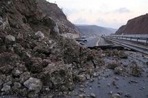 بازگشایی محور آزادراه خرم آباد پل زال در دو طرف