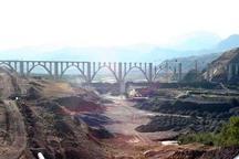 خط آهن قزوین-رشت از هنر معماری سنتی ایرانی بهره مند بوده است