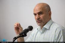 فرشاد مومنی: احمدینژاد کشور را به طرز مشکوکی اداره کرد/ اقدامات نمایشی راهحل مقابله با تحریمها نیست/ قانون اساسی یکی از مظلومترین نهادیهای شکل دهنده جامعه ماست