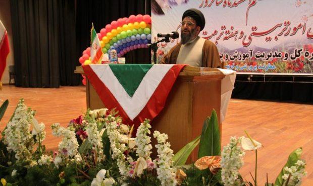 تعهد و دلسوزی مربیان از نیازهای تعلیم و تربیت اسلامی است