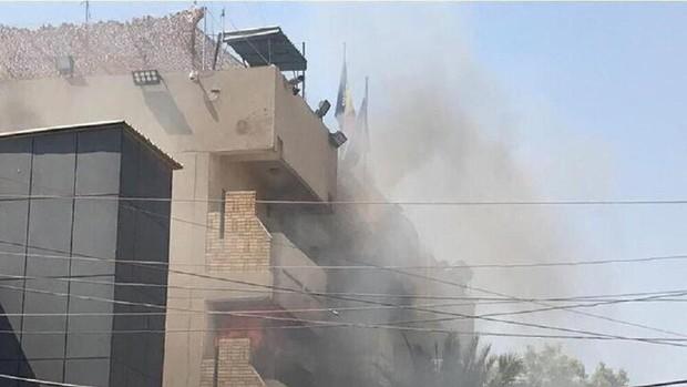 سفارت رومانی در بغداد در آتش سوخت+تصاویر