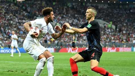 حاشیه و تصاویر تقابل انگلیسی ها با کروات ها در نیمه نهایی جام بیست و یکم +فیلم