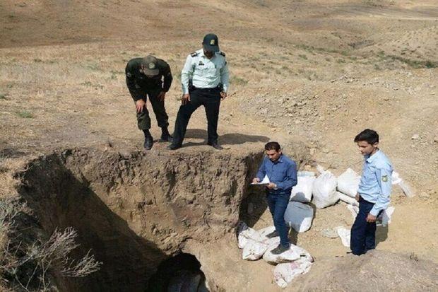 ۲ حفار غیر مجاز در تپه باستانی ازنا دستگیر شدند