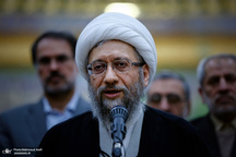 آیت الله آملی لاریجانی: آمریکاییها بدانند همه نهادها و مردم در صحنه ایران اسلامی از سپاه پاسداران حمایت میکنند