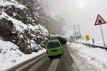 ترافیک سنگین در محور هراز   توصیه به رانندگان محورهای برفگیر
