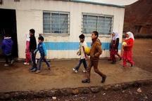 وجود 5 مدرسه روستایی مستقر در کانکس در هریس