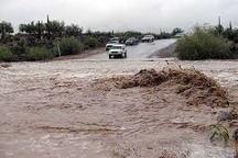بازگشایی جادههای مسدود شده از سیل سبزوار  راه ارتباطی 14 روستا همچنان مسدود است