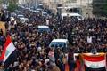 معترضان لبنانی کیسهزباله پرتاپ کردند
