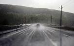 بارش باران جاده های همدان را لغزنده کرد