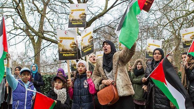 برگزاری تظاهرات در لندن در محکومیت جنایت های اسرائیل در نوار غزه