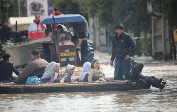 قایقرانان خراسان شمالی به کمک سیل زدگان گلستان شتافتند