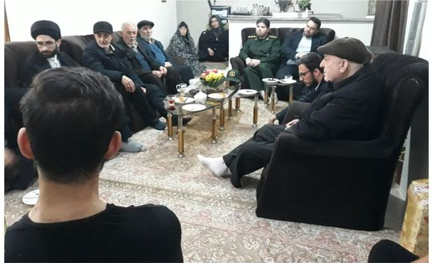 بسیجیان آستارا به یاد شهدا به دیدار خانواده های شاهد رفتند