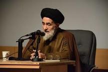دوای حل مشکلات جامعه تربیت افراد قرآن خوان و نماز خوان است