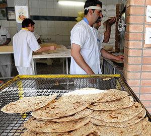 برخورد با نانوایی هایی که خارج از ساعت کاری تعیین شده در رمضان فعالیت می کنند