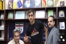 حسینی با استقلال قراردادش را دوساله بست +عکس