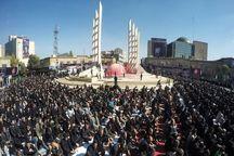 زنجانیها نماز ظهر عاشورا را اقامه کردند