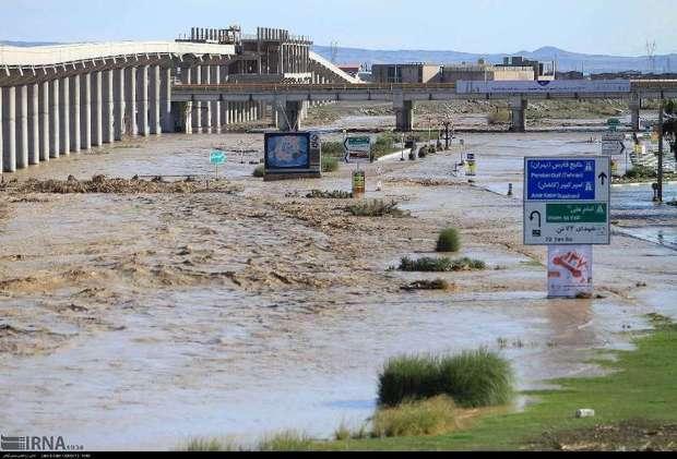 میزان تخریب بلوار زائر قم در سیلاب دور از انتظار بود