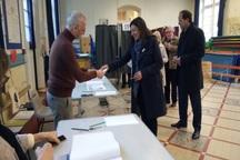 عکس/ شهردار حین رای دادن