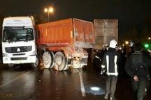 برخورد دو دستگاه کامیون در آوج 2 کشته و مصدوم برجای گذاشت