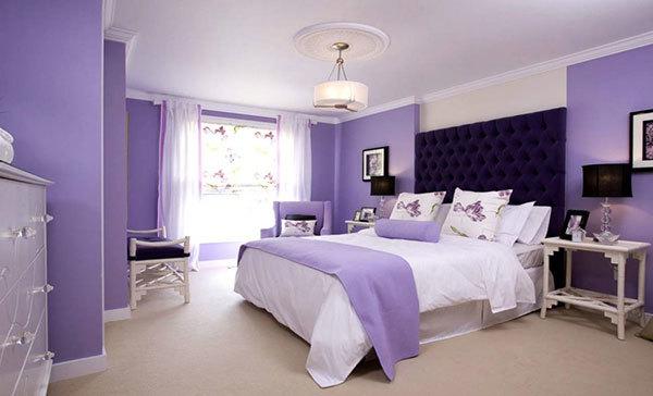 اتاق خواب به رنگ بنفش یاسی و سفید