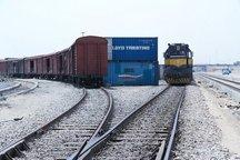 محموله 375 تنی پتروشیمی امیرکبیر با قطار بارگیری شد