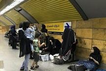 دستفروشان، مترو پایتخت را فتح کردند