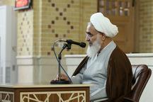 عمل به قرآن مشکلات جامعه را از پیش رو بر می دارد