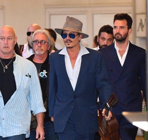 جانی دپ در ونیز+ عکس