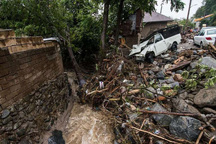 تیم های بهداشتی درمانی در منطقه سیل زده رودسر مستقر شدند