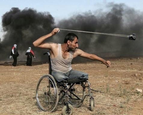 تصویری از جوان فلسطینی که دنیا را تکان داد