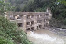 ساخت بند سرشاخه گیر برای سیل در غرب مازندران ضروری است
