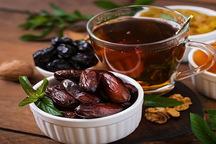 چای کمرنگ و خرما بهترین گزینه افطار در ماه رمضان است