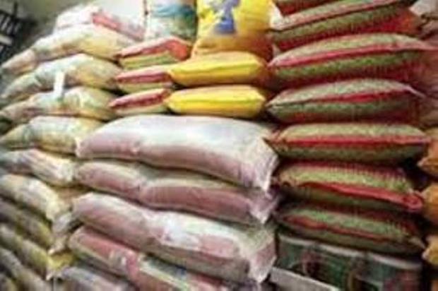 370 برنج احتکار شده و قاچاق در فارس کشف شد