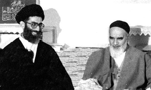 امام خمینی (س): به شما خامنهاى عزیز، تبریک مىگویم/ شما جرمى جز خدمت به اسلام و کشور اسلامى ندارید | آیتالله خامنهای: در مقابل حوادث این چنین توقعى نداریم که کمترین رنجشى به خاطر امام بنشیند