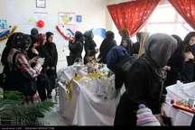 گشایش نمایشگاه تخم مرغ های رنگی در مدارس تبریز