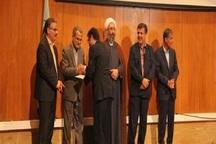 10 استاد نمونه دانشگاه امام خمینی(ره) تجلیل شدند