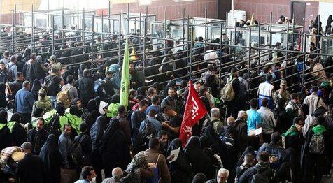 حال و هوای زائران اربعین در مرز مهران/ ویدیو