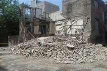 یک ساختمان 2 طبقه متروکه در جنوب تهران فرو ریخت