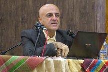 مراسم رونمایی از کتاب شعله در شمعدانی در قزوین برگزار شد