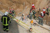 حادثه ریزش دیوار مترو قم؛ تا کنون یک تن از زیر آوار رهاسازی شده است/ انتقال 6 مصدوم به مراکز درمانی/ دو کارگر در زیر آوار هستند