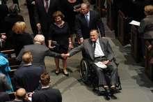 یک فرد ناشناس پزشک جورج بوش پدر را کشت